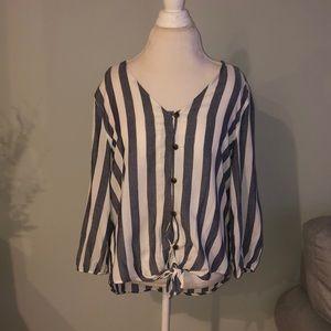 Like new long sleeve striped top.